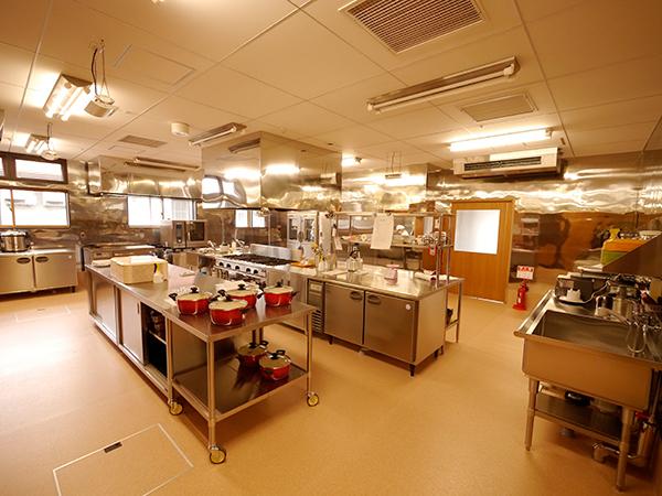 全事業所の食事を作るための厨房